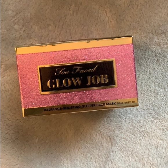 Too Faced Glow Job in Pink Tiara